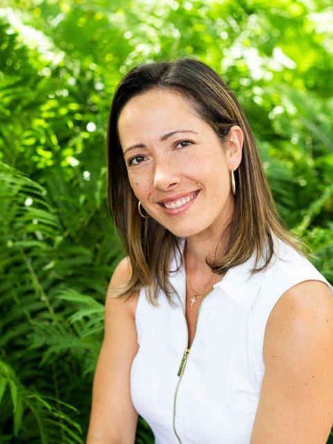 Constandina Mourelatos enseignante de yoga et de méditation